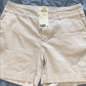 Women's shorts new with tag.